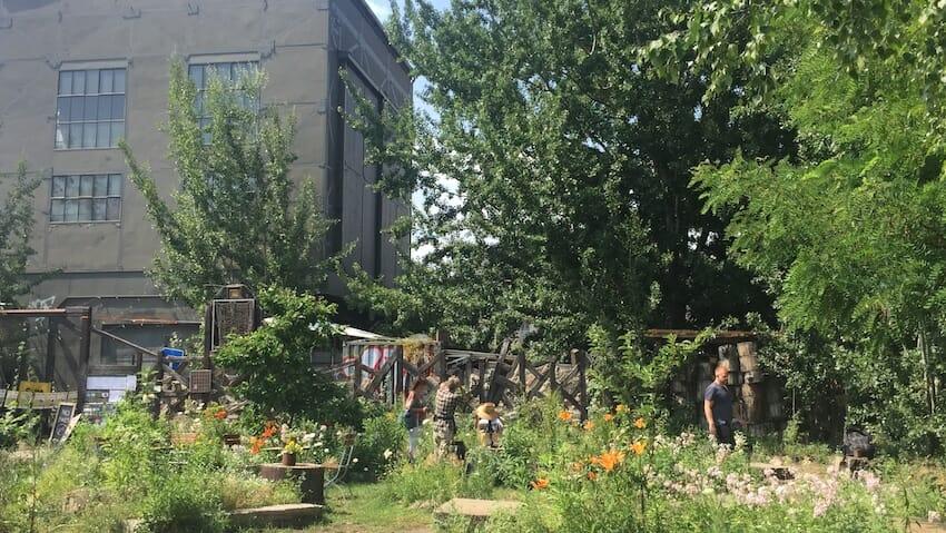 Wir bauen ein Müllbarometer im Wriezener Park (Berlin)